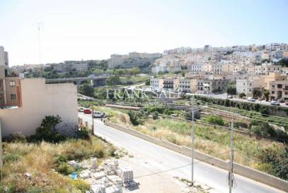 Swieqi, Furnished Maisonette