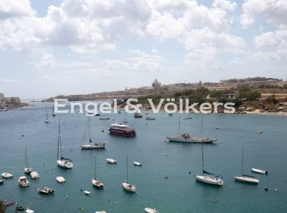 Seafront, Highly Finished Apartment in Sliema