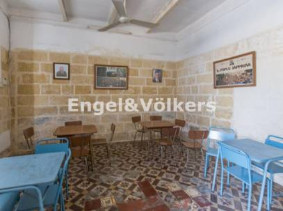 Unconverted Terraced House in B'Bugia