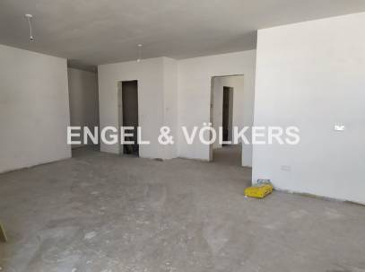 Apartment with Terrace and a 10 Metre Frontage