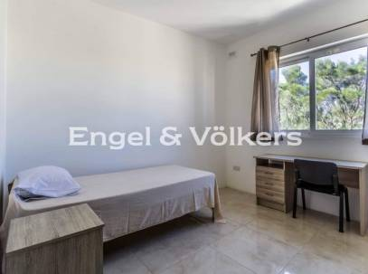 Large Apartment with Views in Safi