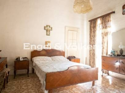 Unconverted Townhouse for sale in Paola