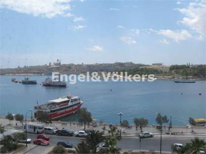 Penthouse for rent in Sliema