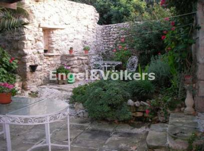 House of Character for rent in Bidnija