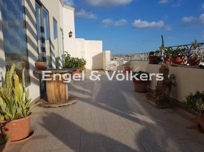 A Deluxe modern 3-Bedroom Penthouse For Rent in Qawra, Malta