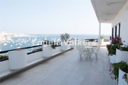 Seafront Apartment for Rent in Salina, Malta