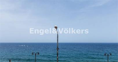 Seafront Apartment to Let in Sliema