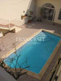 Xewkija, Furnished Town House