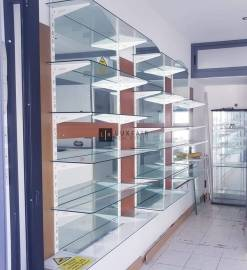 Commercial, Mosta